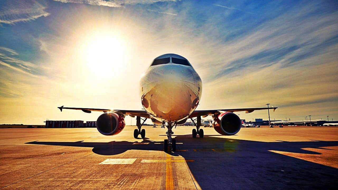 Airport Runway And Plane Wallpaper 1280x720 Welcome To La Siesta